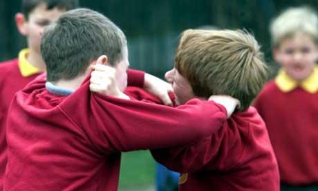 boysfighting1